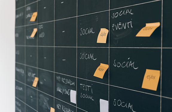 Scheduling social media posts on a calendar